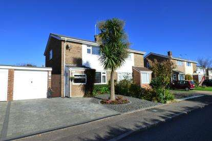 2 Bedrooms Semi Detached House for sale in Canford Heath, Poole, Dorset