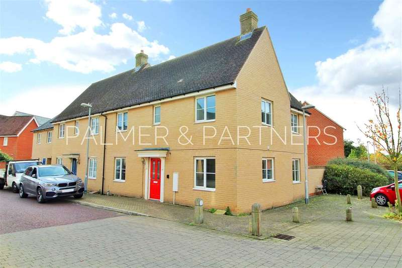 3 Bedrooms Semi Detached House for sale in John Hammond Close, Colchester