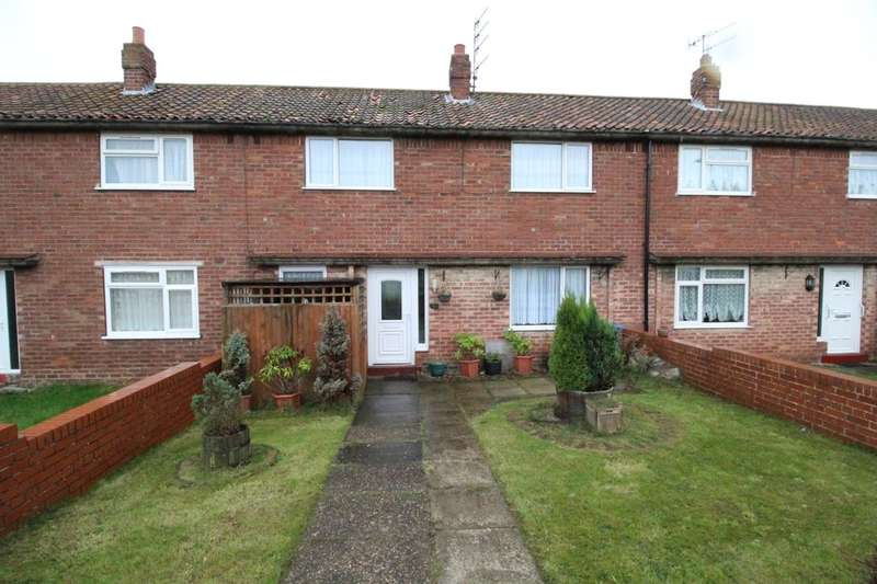 3 Bedrooms Terraced House for sale in Westway, Eastfield, Scarborough, YO11