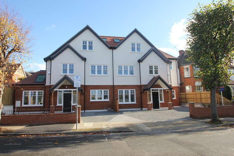 4 Bedrooms Semi Detached House for sale in Surbiton, Surrey