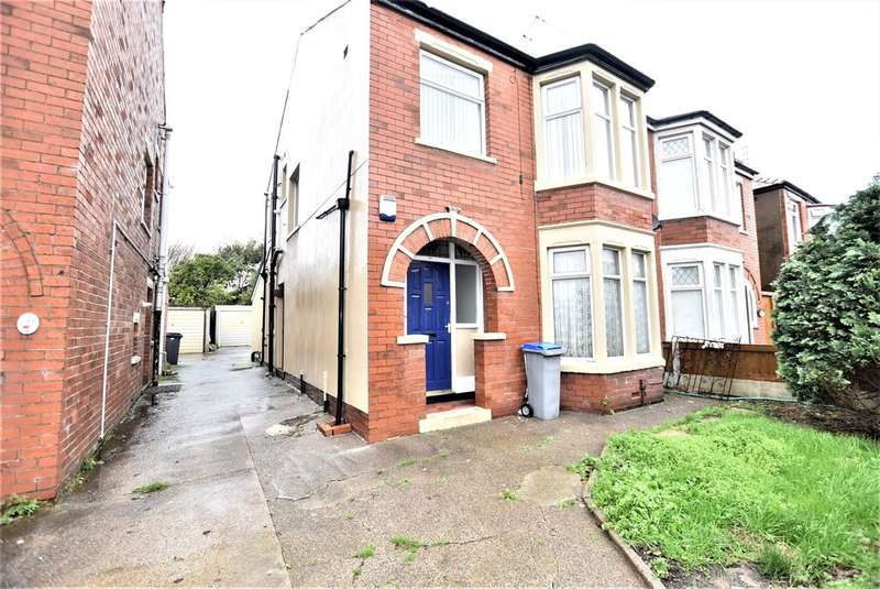 1 Bedroom Flat for sale in Carleton Avenue, Blackpool
