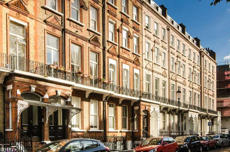 3 Bedrooms Flat for sale in Nevern Square, Earls Court, SW5