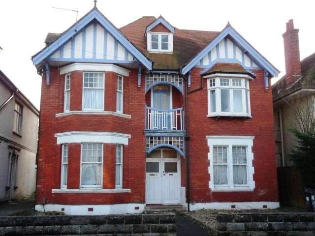 8 Bedrooms Detached House for rent in Bryanstone Road, Talbot Woods, Bournemouth