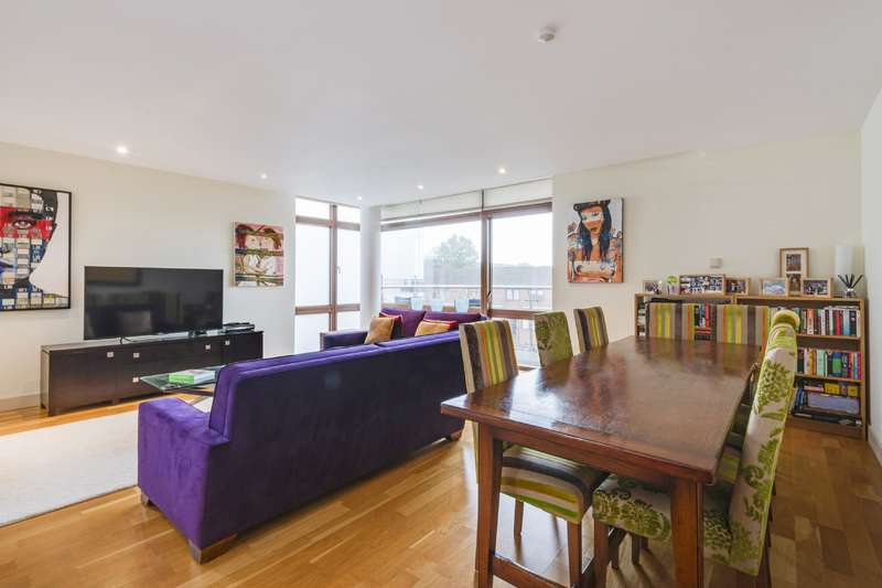 3 Bedrooms Flat for sale in Lymington Road, West Hampstead