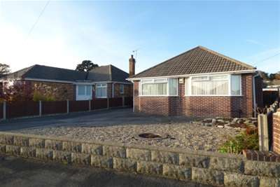 3 Bedrooms Bungalow for rent in Near Broadstone