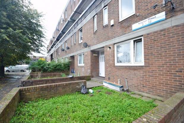 3 Bedrooms Maisonette Flat for sale in Naylor Road, Peckham, SE15