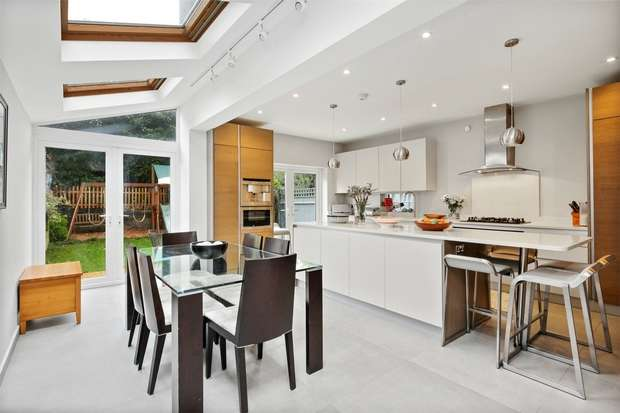 5 Bedrooms Semi Detached House for sale in Sutton Lane South, Chiswick