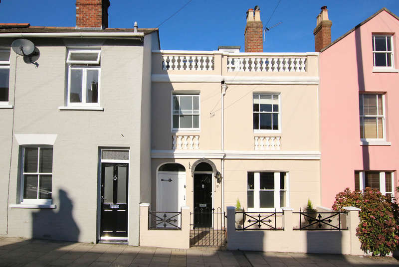3 Bedrooms Terraced House for sale in Station Street, Lymington, Hampshire