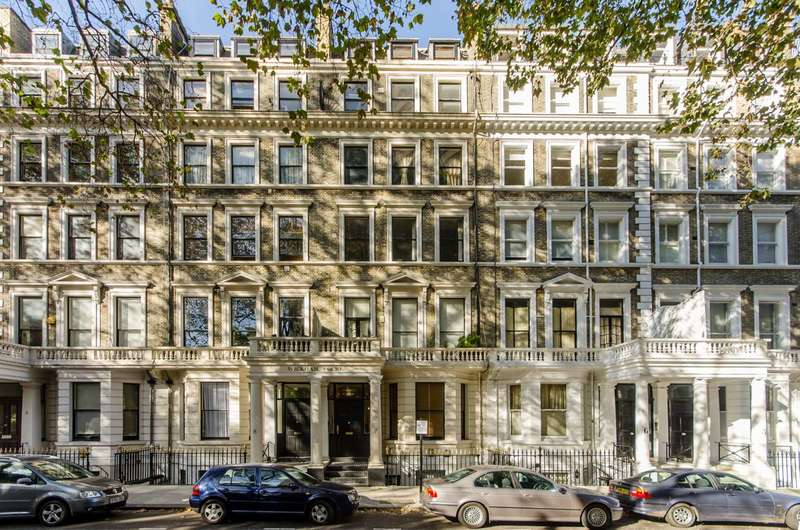 2 Bedrooms Flat for sale in Ashburn Gardens, South Kensington, SW7