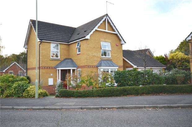 3 Bedrooms Detached House for sale in Brandon Road, Church Crookham, Hampshire