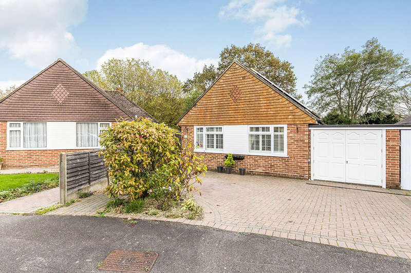 2 Bedrooms Bungalow for sale in Beaufort Road, Havant, PO9