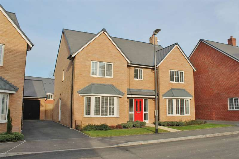 5 Bedrooms Detached House for sale in Foundry Drive, Buckingham