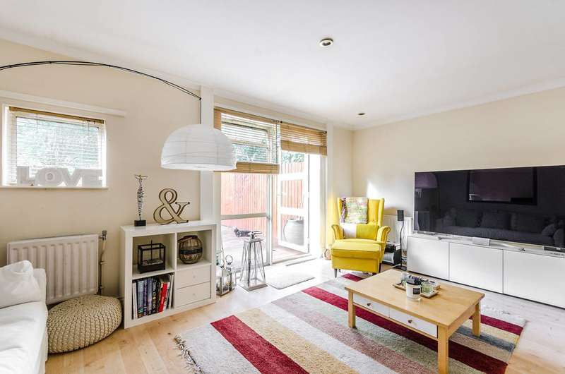 3 Bedrooms End Of Terrace House for sale in Mayow Road, Forest Hill, SE23