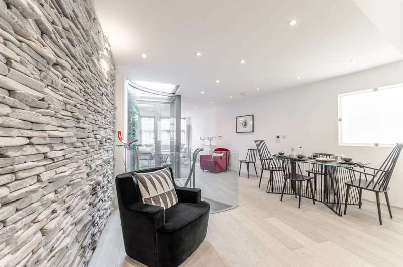 2 Bedrooms Semi Detached House for rent in St Paul Street, Angel, N1