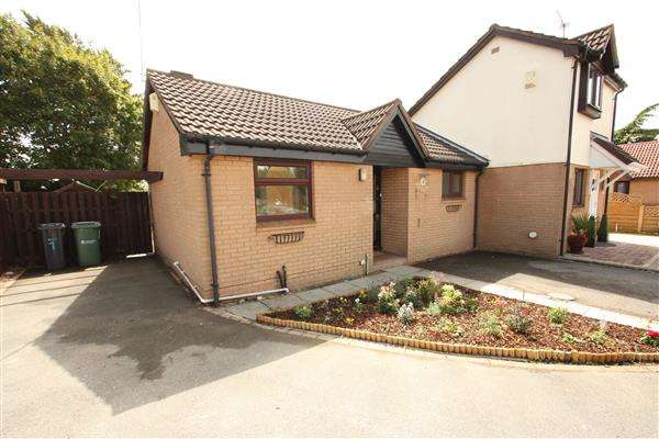 1 Bedroom Semi Detached Bungalow for sale in Badgers Close, Strawberry Fields, Ellesmere Port