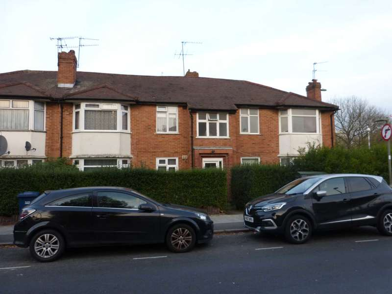 2 Bedrooms Flat for sale in Booth Road, Colindale
