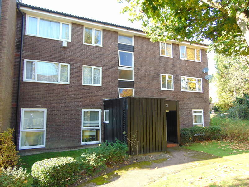 2 Bedrooms Flat for sale in Ladygrove, Pixton Way, Croydon, CR0 9LT