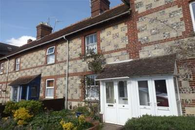 3 Bedrooms House for rent in St Johns Square, Wilton, SP2