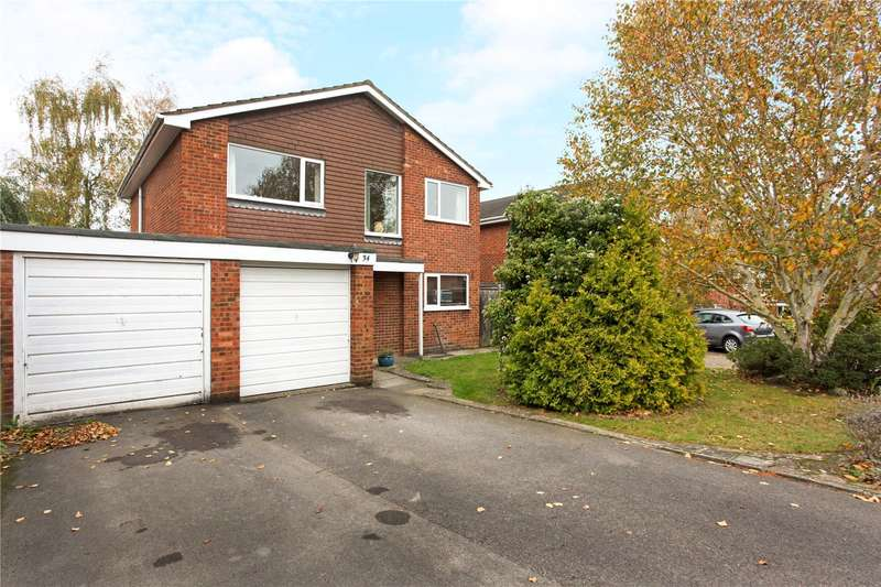 4 Bedrooms Detached House for sale in Lightwater Meadow, Lightwater, Surrey, GU18