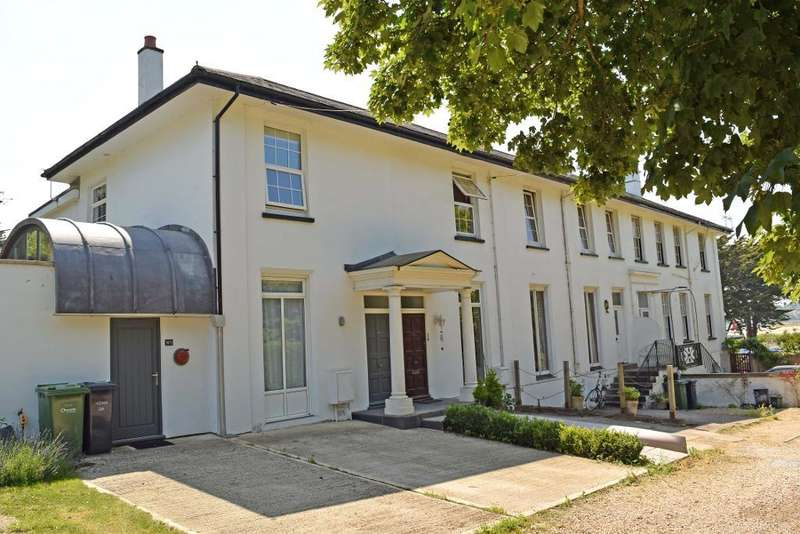 2 Bedrooms Terraced House for sale in Kings Road, Bembridge, Isle of Wight, PO35 5NT