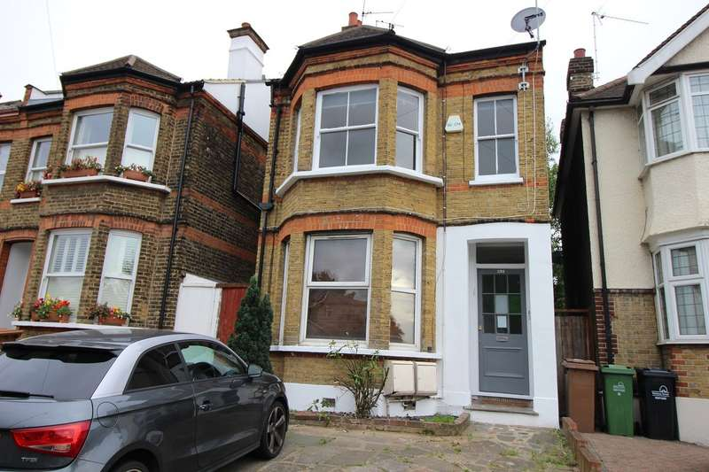 2 Bedrooms Flat for sale in Hale End Road, Woodford Green, IG8