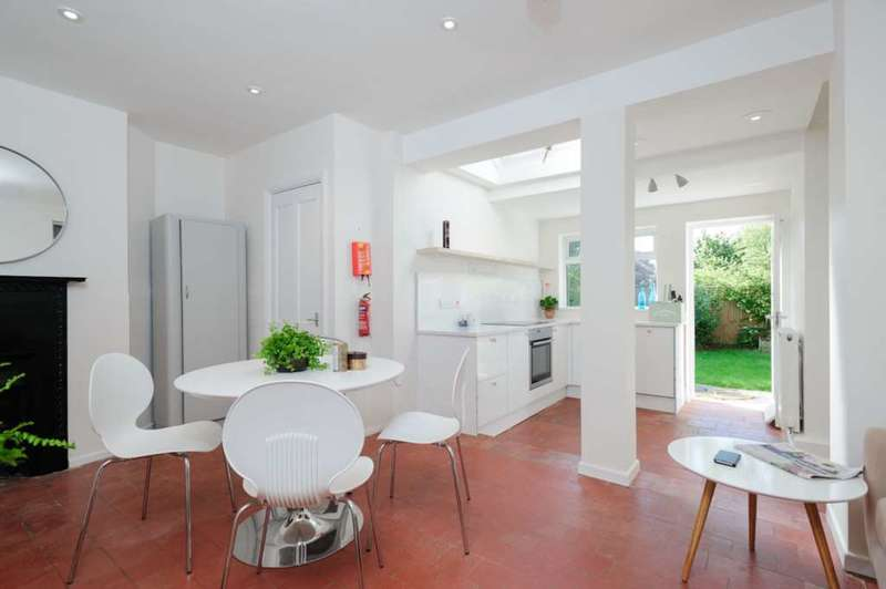 4 Bedrooms Terraced House for rent in Wolsey Road, North Oxford
