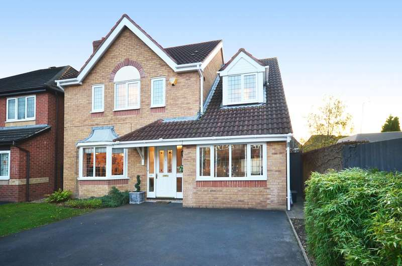 4 Bedrooms Detached House for sale in Hampshire Crescent, Lightwood, ST3 4TR
