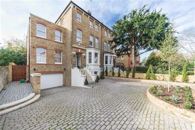 5 Bedrooms Flat for rent in St Peters Road, St Margarets, TW1