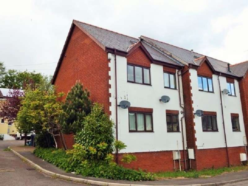 2 Bedrooms Maisonette Flat for sale in St. Oswalds Close, Sebastopol, Pontypool. NP4 5DS