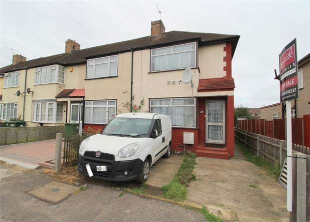 3 Bedrooms End Of Terrace House for sale in Hillingdon Avenue, Stanwell, Middlesex