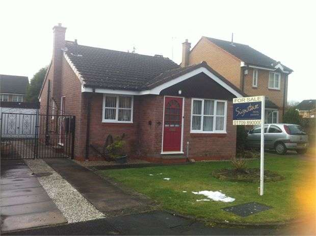 2 Bedrooms Bungalow for sale in Knollbeck Close, Goldthorpe, Rotherham, South Yorkshire. S63 9BT