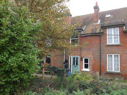 3 Bedrooms Terraced House for sale in Brickfield Lane, Totland Bay, Isle Of Wight