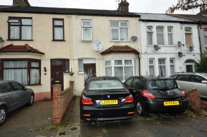 3 Bedrooms Terraced House for sale in Saxon Road, Ilford