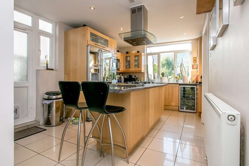 4 Bedrooms Semi Detached House for sale in Denmark Hill, Camberwell, London, SE5