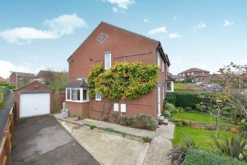 3 Bedrooms Semi Detached House for sale in Redcliffe Road, Scarborough, YO12