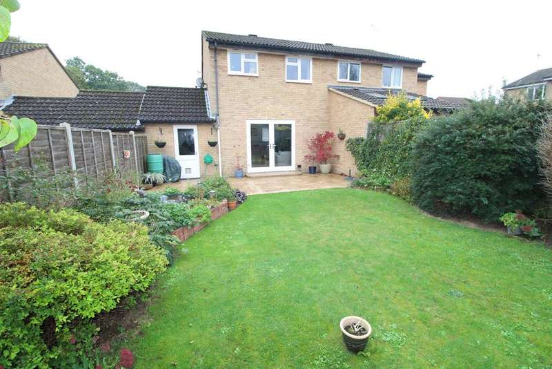 3 Bedrooms Semi Detached House for sale in Wargrove Drive, College Town, Sandhurst, GU47 0DU