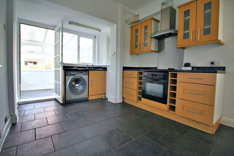 3 Bedrooms Semi Detached House for rent in Hall Road, Sheffield, S9