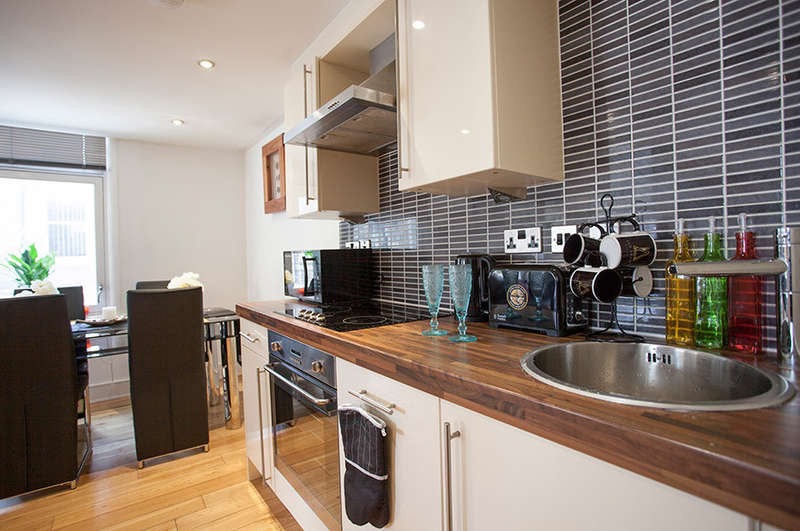 2 Bedrooms Serviced Apartments Flat for rent in Britannia Buildings, St Peters Street, Huddersfield, HD1 1EX