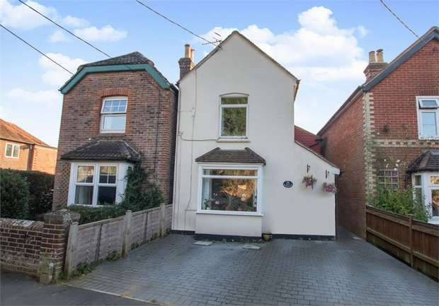 3 Bedrooms Detached House for sale in Cramhurst Lane, Witley, Godalming, Surrey