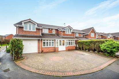 5 Bedrooms Detached House for sale in Buttermere Grove, Coppice Farm, Willenhall, West Midlands