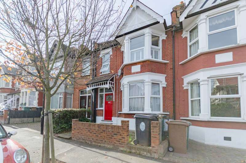1 Bedroom Flat for sale in Beech Hall Road, Chingford, E4