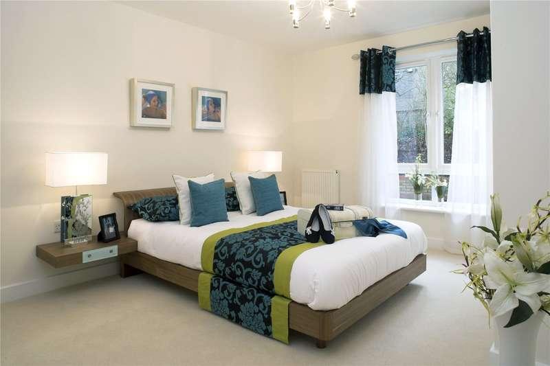 1 Bedroom Flat for sale in Hersham Road, Hersham, Walton-on-Thames, Surrey, KT12
