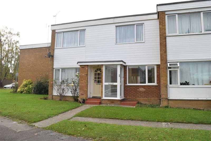2 Bedrooms Maisonette Flat for sale in Wear Drive, Springfield, Chelmsford