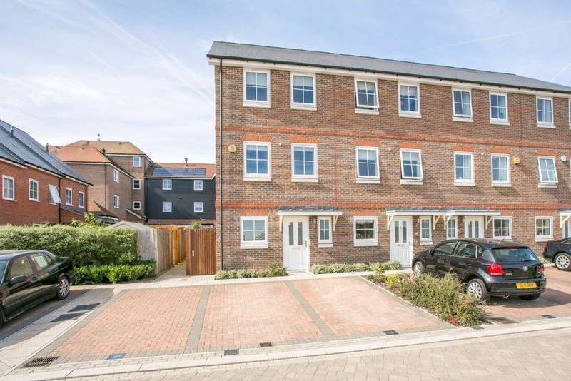 4 Bedrooms Mews House for sale in Campion Square, Dunton Green, Sevenoaks, Kent, TN14