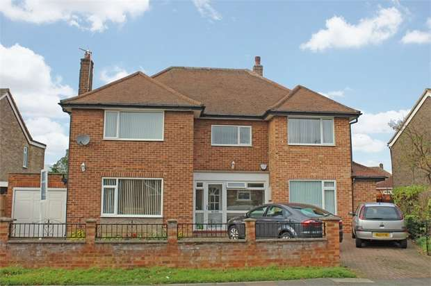 7 Bedrooms Detached House for sale in Rockwood Road, Calverley, Pudsey, West Yorkshire