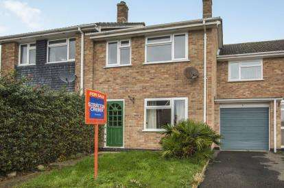3 Bedrooms Terraced House for sale in St. Blazey, Par, Cornwall