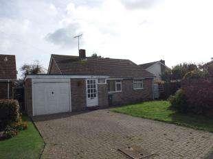 3 Bedrooms Bungalow for sale in Hedgeway, Felpham, Bognor Regis, West Sussex