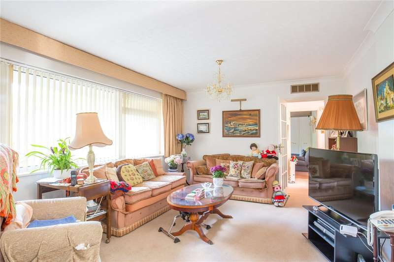 3 Bedrooms Apartment Flat for sale in Cranmer Court, Wickliffe Avenue, Finchley, London, N3
