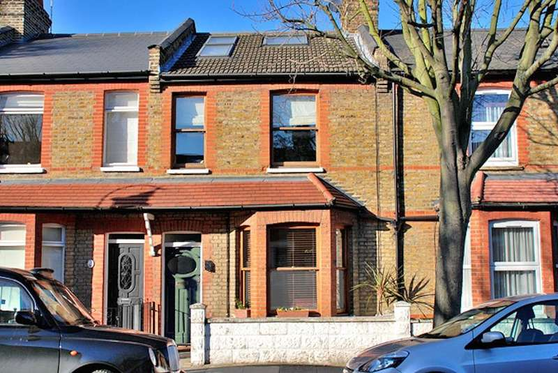 3 Bedrooms Terraced House for sale in Salisbury Road, Ealing, London, W13 9TX