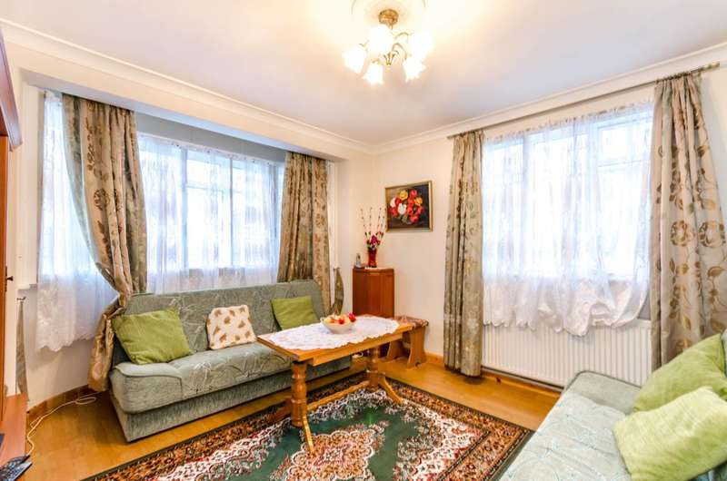 2 Bedrooms Flat for sale in Hanger Lane, Ealing, W5